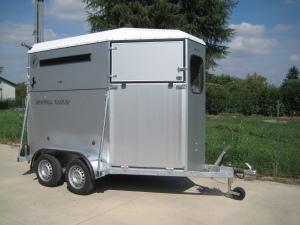 Rimorchi trasporto cavalli e van bertuola trailer srl for Bertuola rimorchi