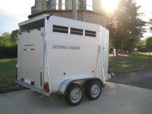 Rimorchi trasporto animali bertuola trailer srl for Bertuola rimorchi