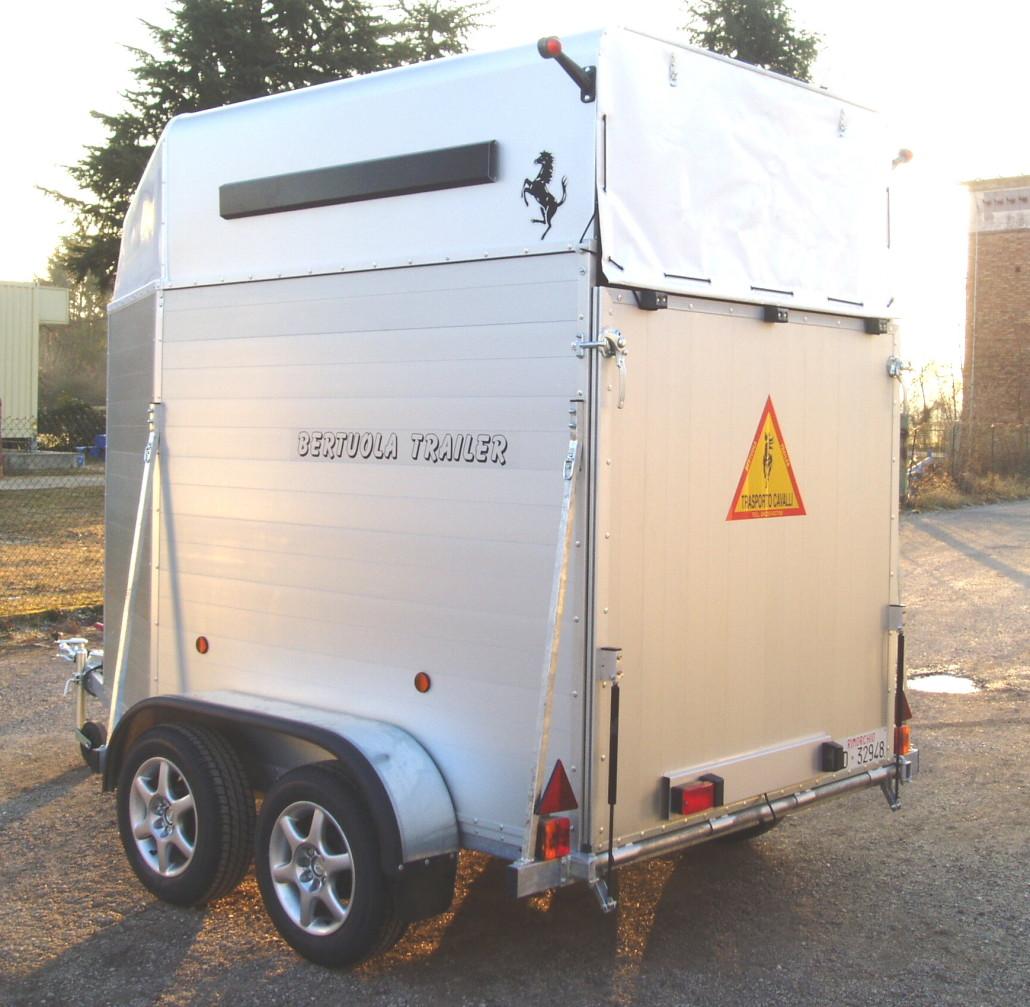 Trailer trasporto cavalli tc 2 evolution bertuola for Bertuola rimorchi