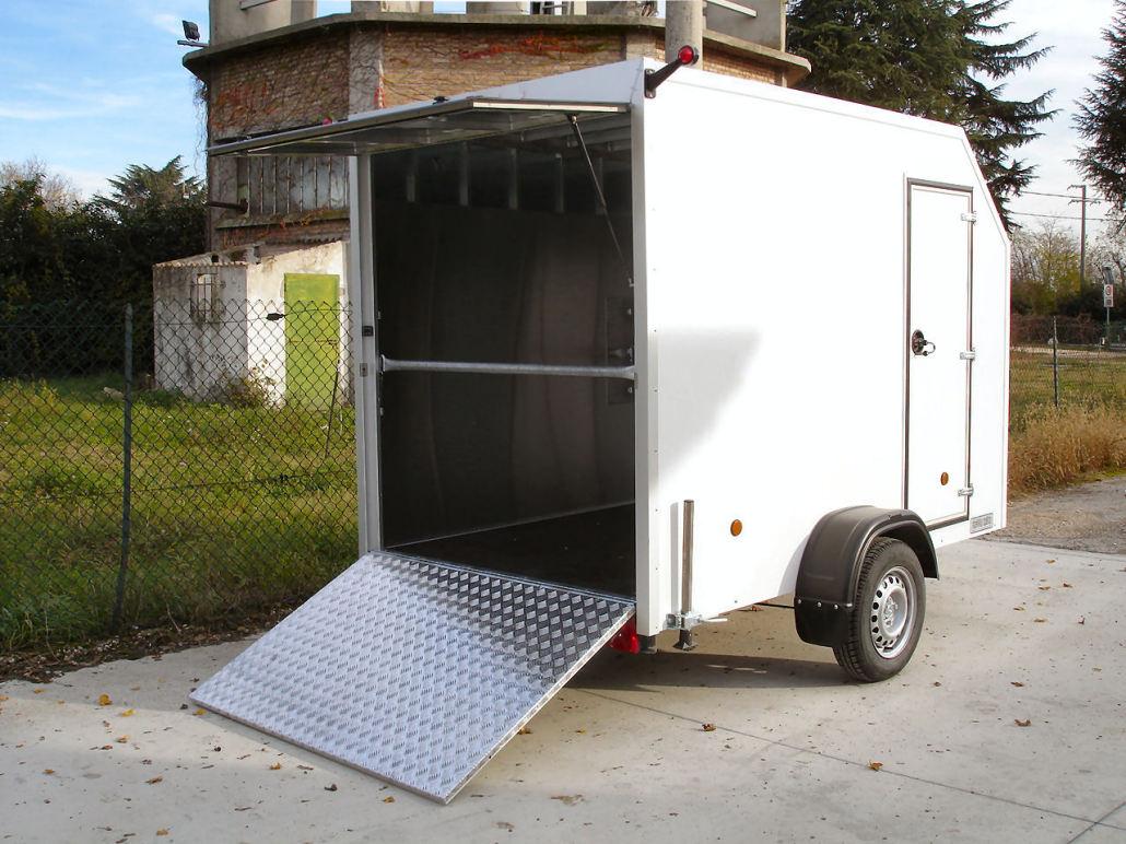 Rimorchio trasporto animali bt 75 bertuola trailer srl for Bertuola rimorchi