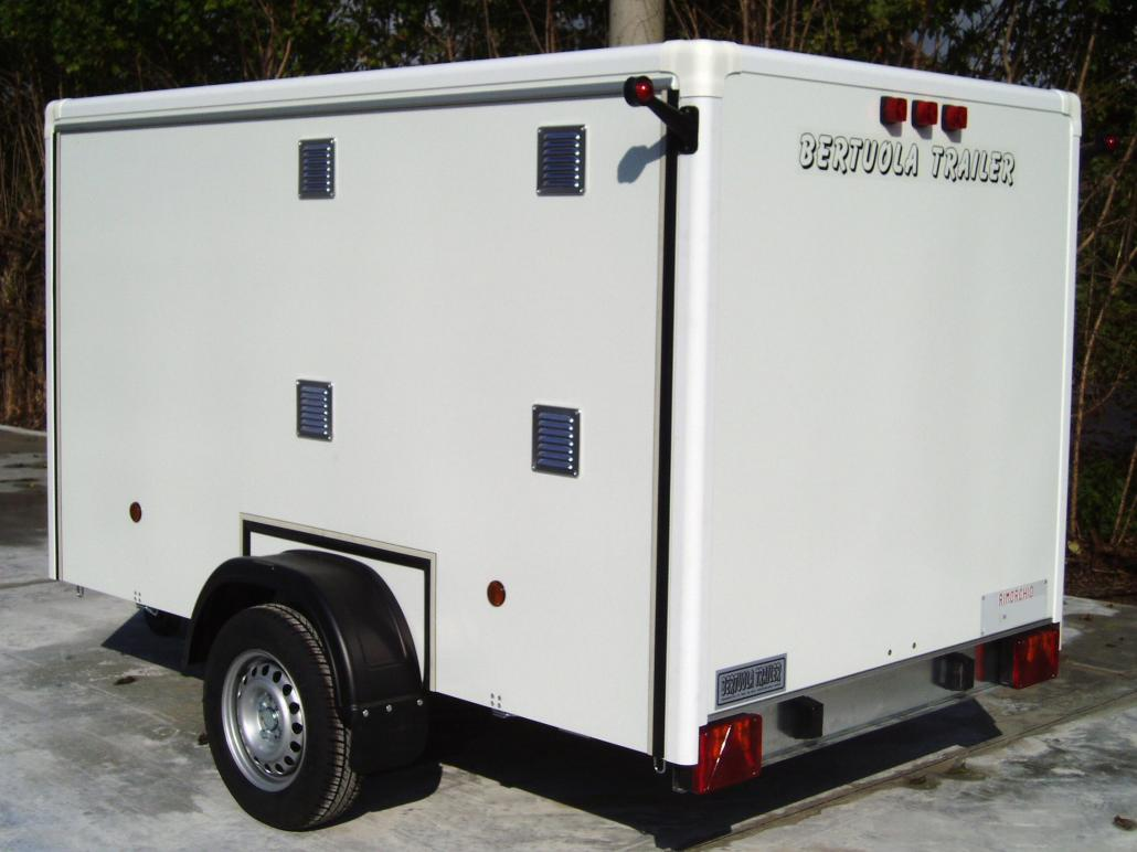 Rimorchi trasporto cani bertuola trailer srl for Bertuola rimorchi
