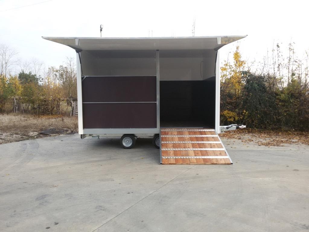 Rimorchi trasporto cavalli e van bertuola trailer srl for Box cavalli usati vendo