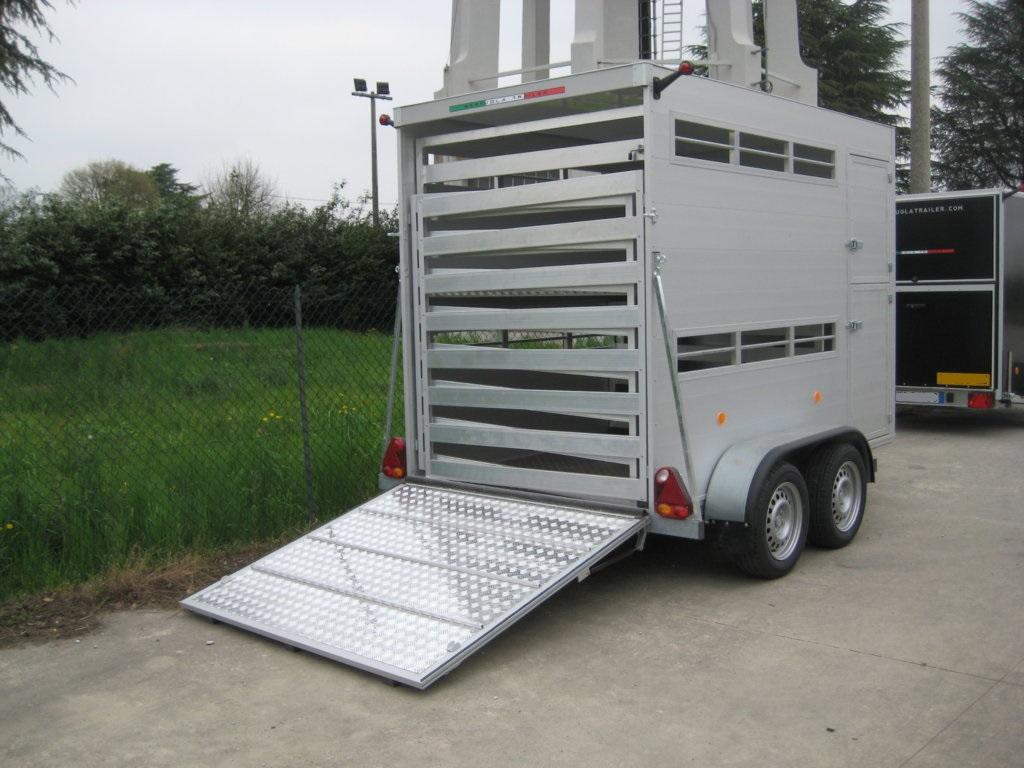 Trailer trasporto animali dispositivo arresto motori for Vendita carassi vivi